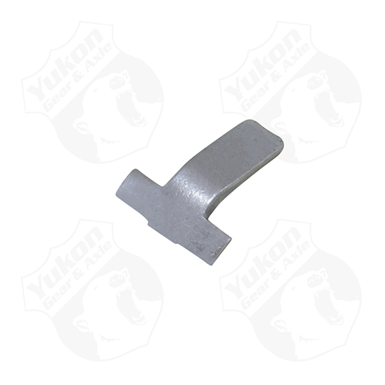 Side bearing adjuster lock for 8.25 GM IFS